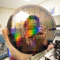 IBM: Graphene chip that's 10,000 times faster, using standard CMOS processes